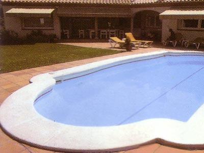 Modelos tipos formas medidas piscinas multiforma for Piscinas prefabricadas madrid
